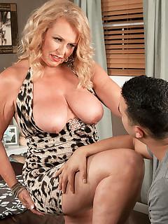 Granny Big Tits Pics